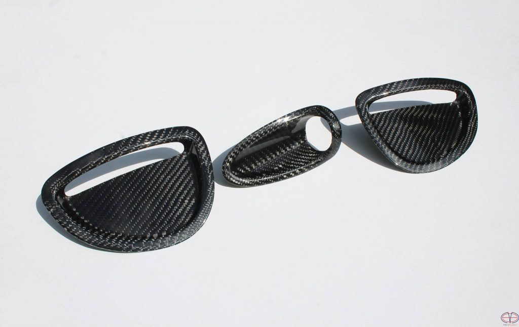 Carbon fiber inserts in hood for Toyota Celica ST205 GT4