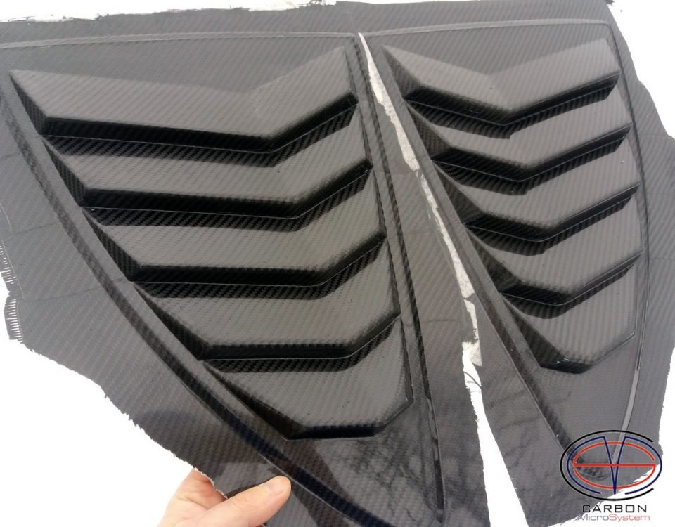 Rear Louver Quarter Window panel