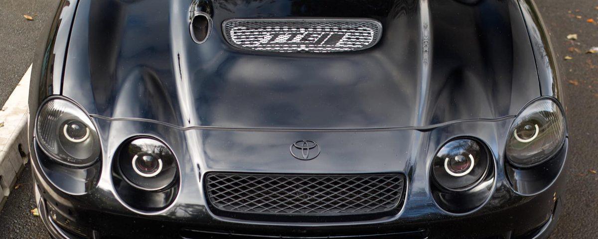 Carbon fiber inserts in hood gt4