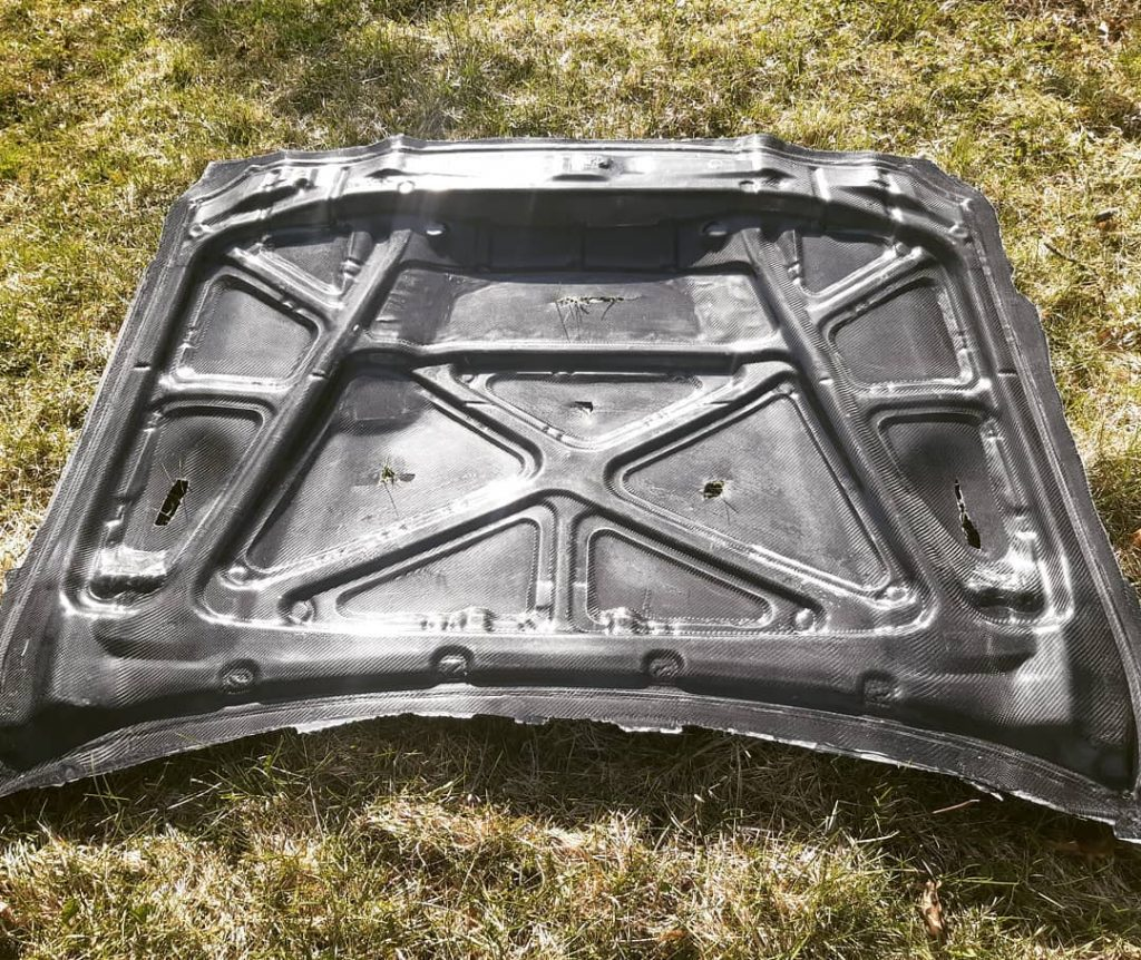 Hood gt4 from carbon fiber