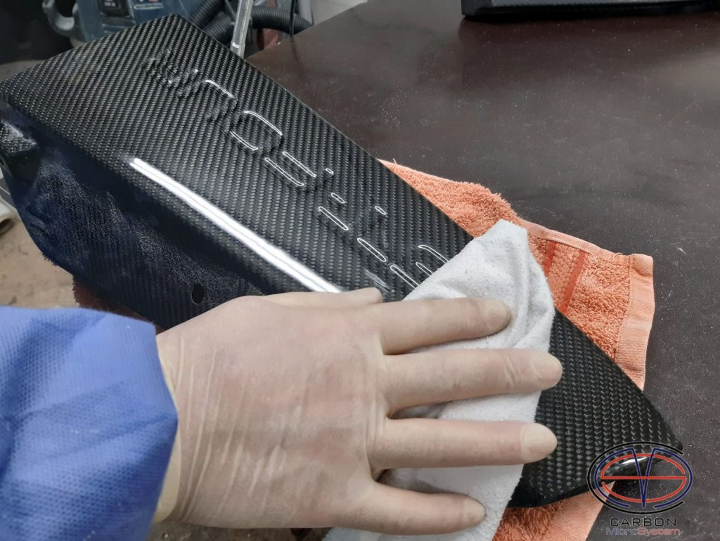 carbon fiber parts hand polishing for a perfect finish