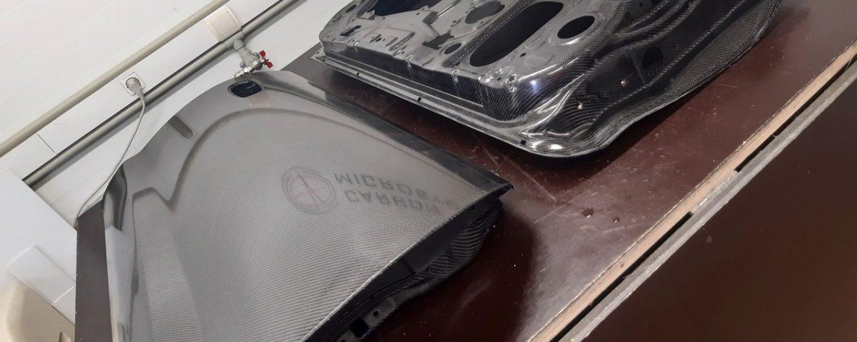 Carbon fiber doors for Toyota Celica st20